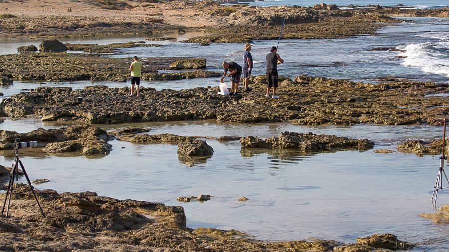 חבורת דייגים כבשו את שטח הצילום שלי